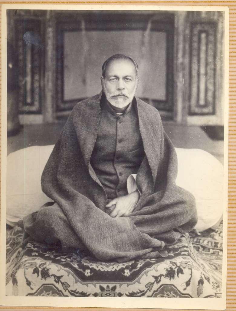 "<a href=""http://vera.work/ramashram/about-us/#founder"">Paramsant Dr. Chaturbhuj Sahay Ji</a>"