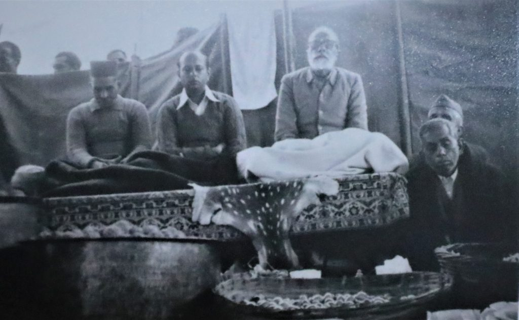 Guru Maharaj with Practitioners